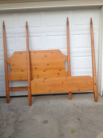 Queen Four Poster Bed     $75   I love the simple lines on this four poster - it would be so pretty painted.    View on Craigslist