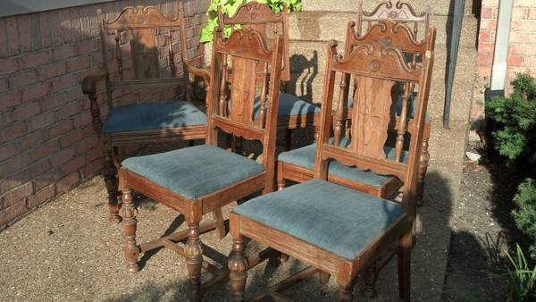 Set of 6 Antique Dining Chairs     $120   These need a coat of paint and new fabric. I love the detail on these and they are a good deal at $120 for all 6.    View on Craigslist