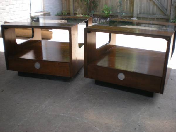 Pair of Lane Mid Century End Tables     $250     View on Craigslist