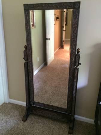 Full Length Mirror     $100     View on Craigslist