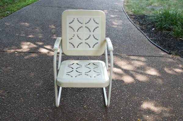 Vintage Patio Chair     $35     View on Craigslist