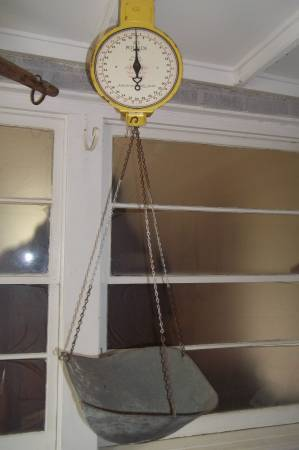 Early 1900's Grocery Scale     $65     View on Craigslist