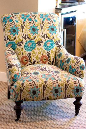 Floral Accent Chair     $100     View on Craigslist