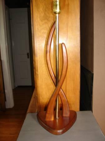 Mid Century Lamp     $45     View on Craigslist