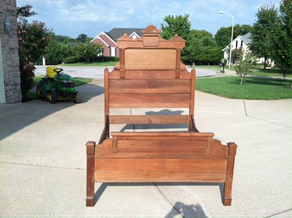 Antique Full Size Bed     $200     View on Craigslist