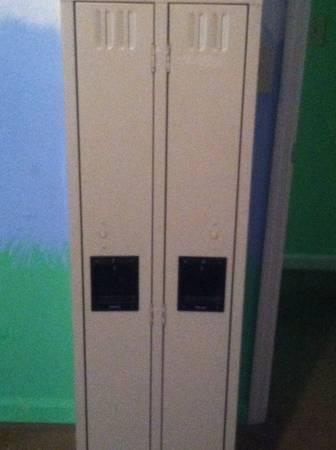 Lockers     $60     View on Craigslist