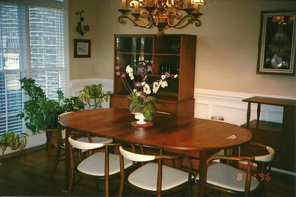 Mid Century Dining Set     $650     View on Craigslist