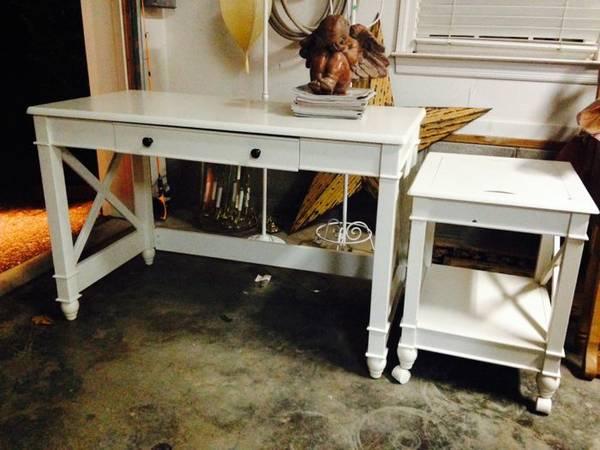 White Desk with Printer Cart     $125     View on Craigslist