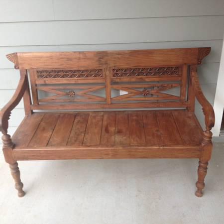 Wooden Bench     $80     View on Craigslist