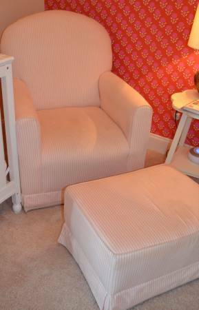 Little Castle Rocker and Ottoman     $175     View on Craigslist