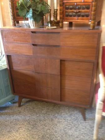 Mid Century Danish Dresser     $300     View on Craigslist