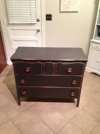 Vintage Dresser     $75     View on Craigslist