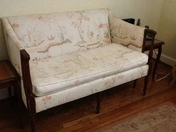 Antique Love Seat     $200     View on Craigslist