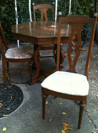 Table and Chairs     $150   This is a cute set - would look great painted and with new seat fabric.    View on Craigslist