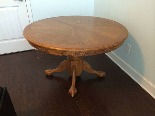 Pedestal Table     $50   This is a great basic table - could use as is or paint it. This table also comes with a leaf.    View on Craigslist