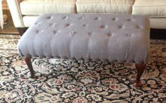 Tufted Ottoman     $110     View on Craigslist