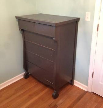 Dresser     $75   This is a cute dresser, just needs a coat of paint and some new pulls.    View on Craigslist