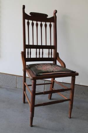 Antique Chair     $50     View on Craigslist