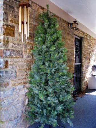 7ft Slimline Tree     $20     View on Craigslist