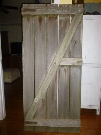Rustic Wood Door     $65     View on Craigslist