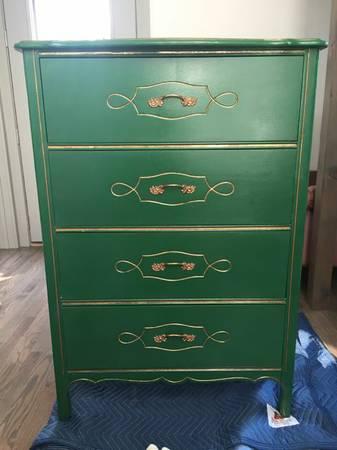 Green Dresser     $195     View on Craigslist