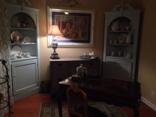 Corner Cabinet     $199     View on Craigslist