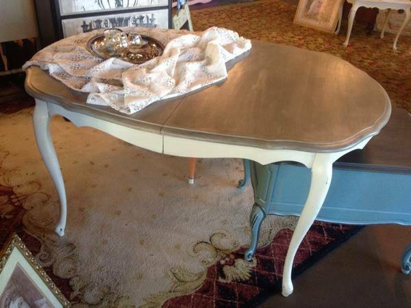 Dining Table     $150     View on Craigslist