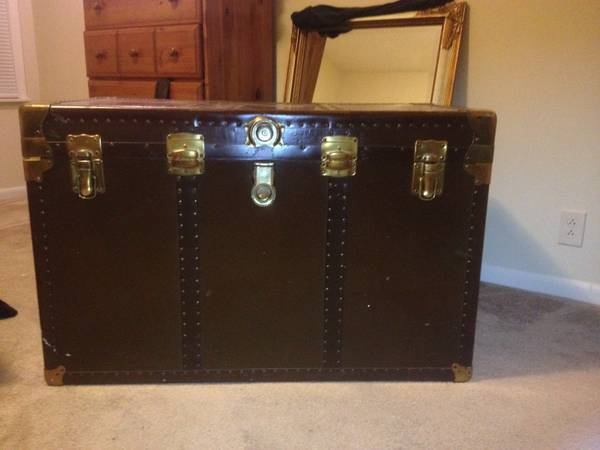 Antique Trunk     $100   Seller seems very motivated to sell so they'd probably take a lower offer.    View on Craigslist