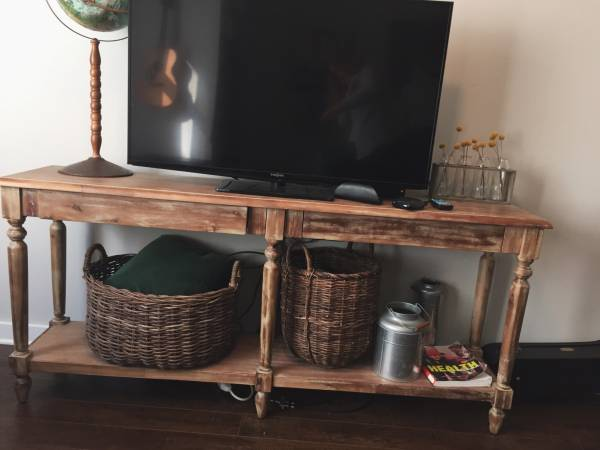 Foyer/Sofa Table     $130     View on Craigslist