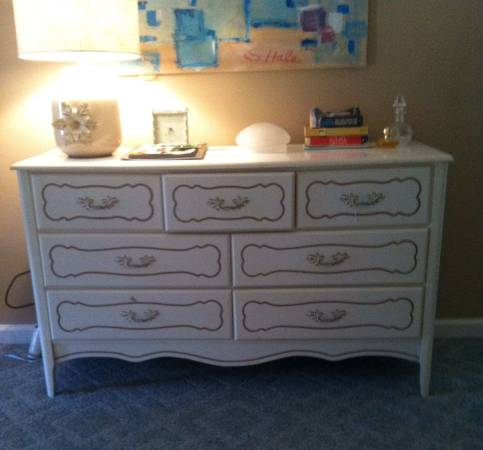 French Provincial Dresser     $125     View on Craigslist