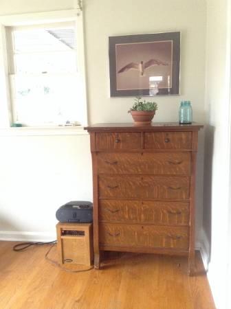 Vintage Dresser     $125     View on Craigslist