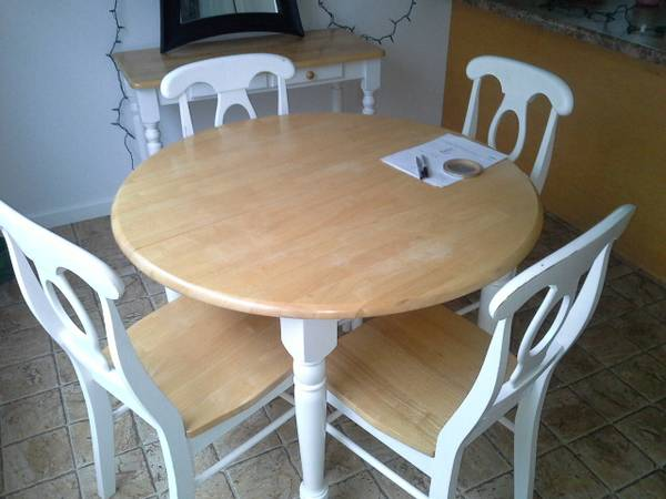 Kitchen Table and Chairs     $120   This would be a great set to repaint!    View on Craigslist