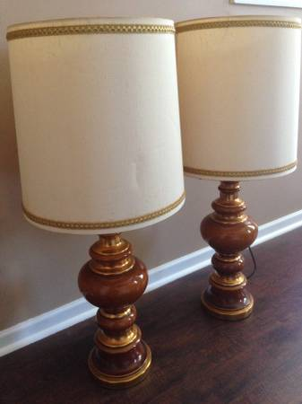 Pair of Lamps     $14     View on Craigslist
