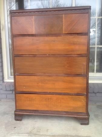 Dresser     $60     View on Craigslist