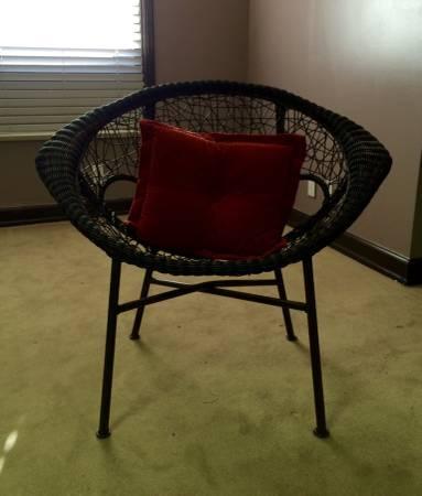 Modern Wicker Chair     $25     View on Craigslist