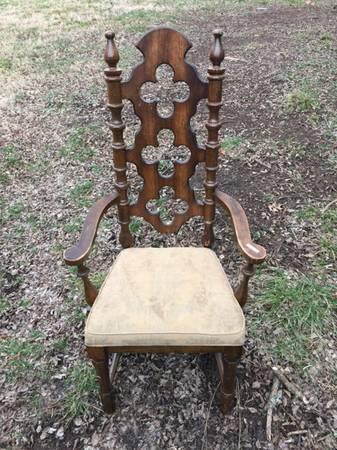 Vintage Wood Chair     $55     View on Craigslist
