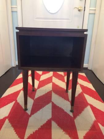 Mid Century Side Table     $40     View on Craigslist