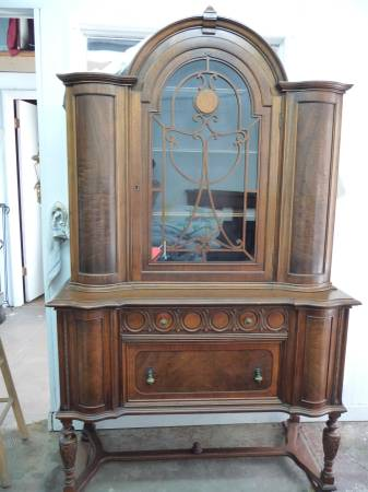China Cabinet     $500   This is a gorgeous piece, would make a statement in a dining room.    View on Craigslist