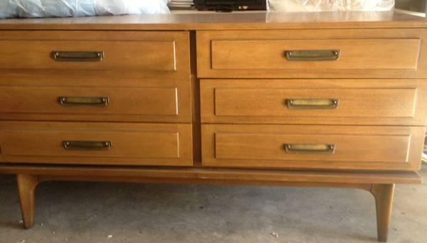 Mid Century Dresser with Mirror     $299     View on Craigslist