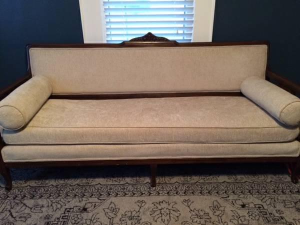 Antique Sofa     $475     View on Craigslist