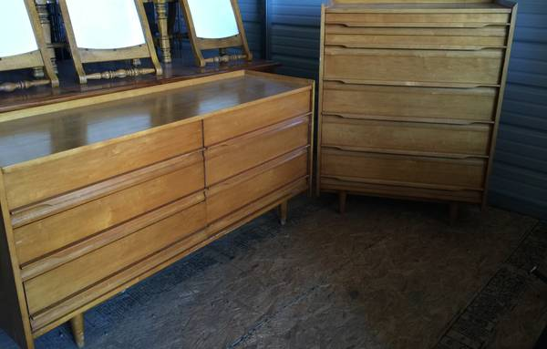 Mid Century Dresser and Chest     $175     View on Craigslist
