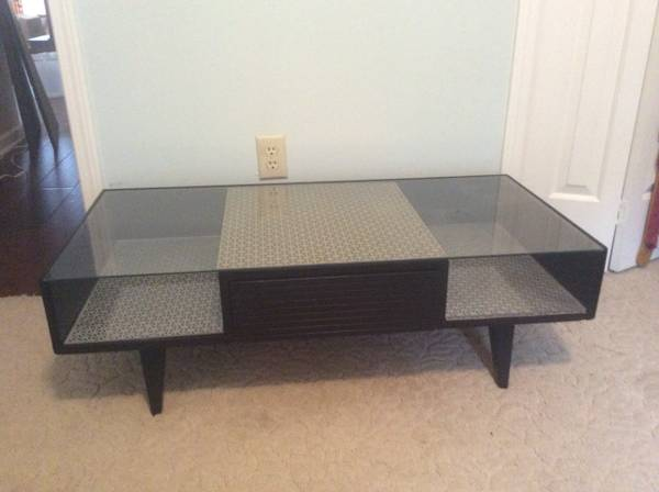 Coffee Table     $60     View on Craigslist