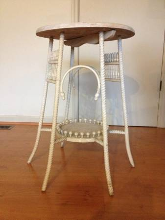 Victorian Side Table     $100     View on Craigslist