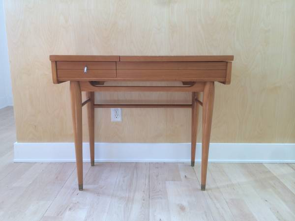 Mid Century Desk     $75     View on Craigslist
