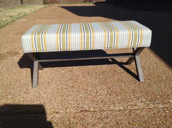 Upholstered Bench     $85     View on Craigslist