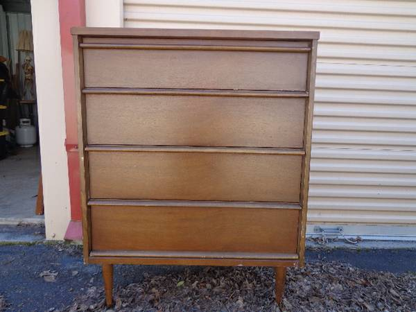 Mid Century Bassett Dresser     $100     View on Craigslist