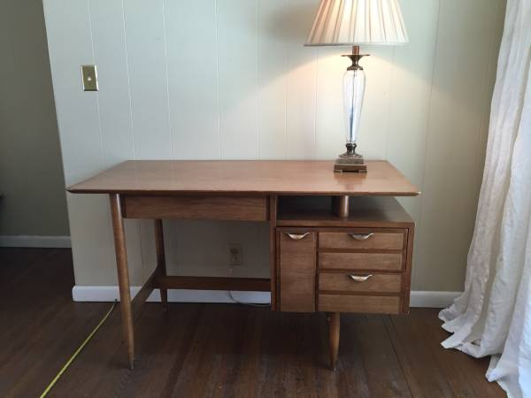 Mid Century Desk and Chair     $100     View on Craigslist