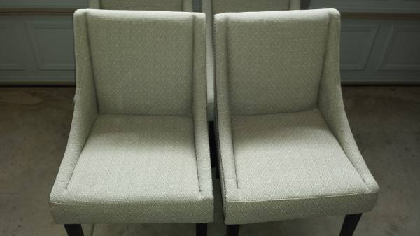 Set of 4 Dining Chairs     $250     View on Craigslist