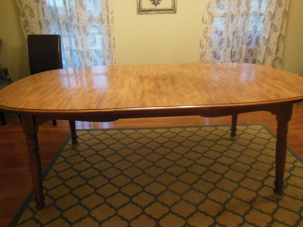 Dining Table with Leaf     $50   This would be a great piece to paint.    View on Craigslist