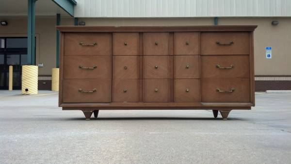 Mid Century Dresser     $145     View on Craigslist